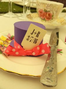 alice-mad-hatter-top-hat-favour