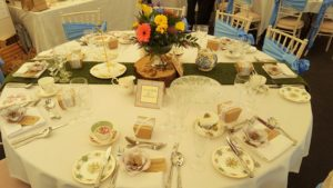 alice-wildflowers-wedding-table