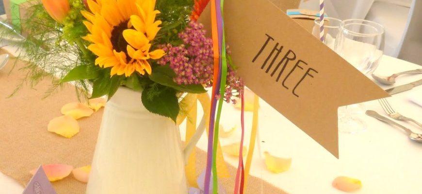 festival-table-name-flag-streamers