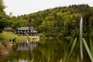 south wales wedding venue canada lodge and lake