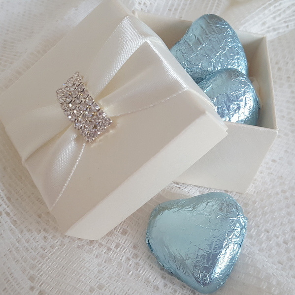 elegant wedding favour box with blue chocolate hearts
